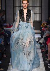 Spring dress sa chiffon floor na may sleeves