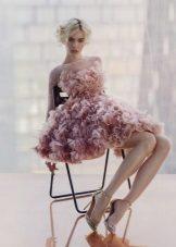 Spalva trumpa suknelė