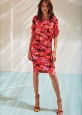 Pavasario suknelės spalvos dėklas