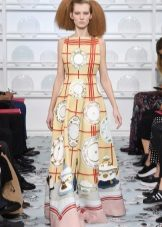 Pavasario spausdinta grindų suknelė