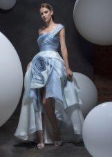 Pavasario suknelė grindyse su trumpu trumpu sijonu