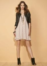 Jaqueta de couro para o vestido de verão