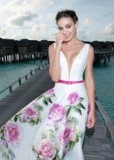 Лятна рокля с голямо цвете