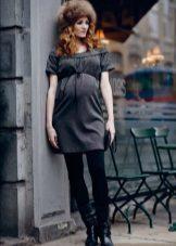 Есенна рокля за бременни жени с висока талия