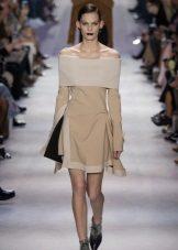 Stroppløs kjole med lange ermer