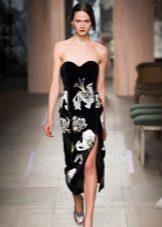 Aften stroppeløs kjole med blomster