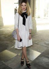 Witte jurk met lage taille volledige rok