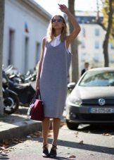 Midi dress na may t-shirt