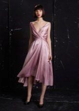 Um vestido de crepe de chine
