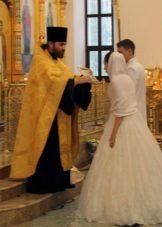 Žiedas į vestuvių suknelę