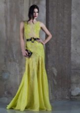 Įrengta suknelė