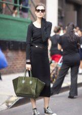 Acessórios para vestido preto com mangas
