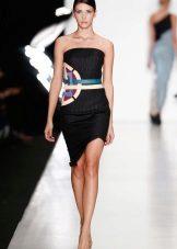Cinto de cor para vestido preto