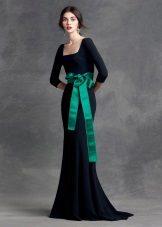 Faixa verde para vestido preto