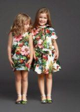 Vestidos com estampa para menina de 4 anos