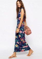 Módní dlouhé šaty jaro-léto 2016 s květinovým potiskem