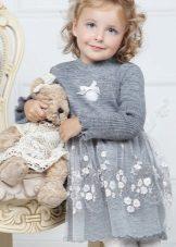 Vestido elegante para tricô menina