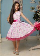 Vestido elegante para meninas de 8-9 anos com uma impressão