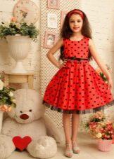 Ervilhas de vestido elegante para meninas