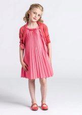 Vestido elegante para uma menina completa livre