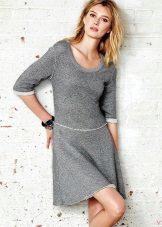 pukeutua mekkoa alatunnisteesta ulkoisten saumojen kanssa