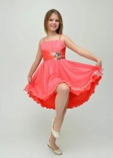 Vestido para um adolescente rosa