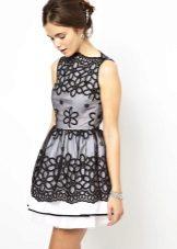 mustavalkoinen organza-mekko