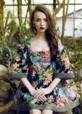 poplin-mekko, jossa kukka