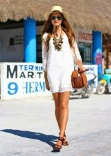 Beyaz Kısa Elbise Takıları