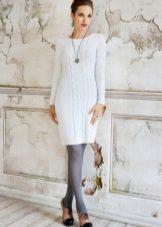 Gri beyaz bir elbise tayt