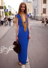 Colar para o vestido de caixa azul