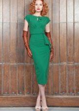 Vestido verde com luvas marrons