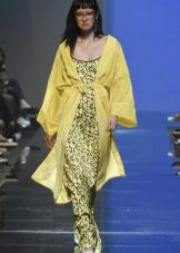 sadetakki ja keltainen mekko