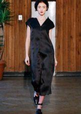 Egyenes szatén ruha