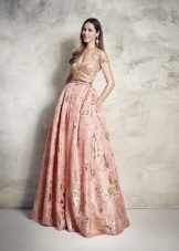 vestido de tafetá delicado