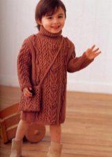 Camisola de inverno com tranças para meninas