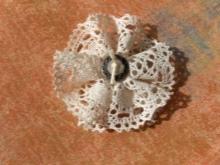 Csipkés virág közepén