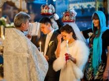 Vestuvių suknelės šukuosena