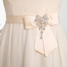 Íj és kiegészítők esküvői ruha