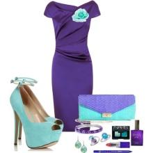 Fialové šaty s tyrkysovou výzdobou
