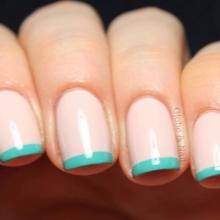 Pink manicure under the mint dress