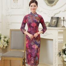 באמצע Qipao השמלה עם שרוול שלושה רבע