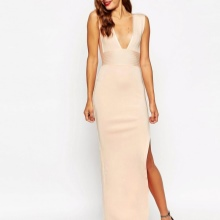 Lang silke kjole for bedriftens