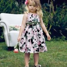 Színes ruha a-silhouette lányoknak 3-5 év