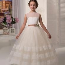 Vestido de formatura no jardim de infância branco a-silhueta