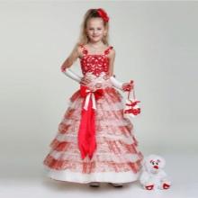 Vestido de ano novo para a menina branca e vermelha