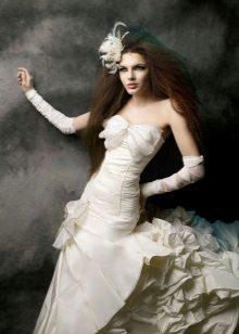 Esküvői ruha a kis mellű lányoknak