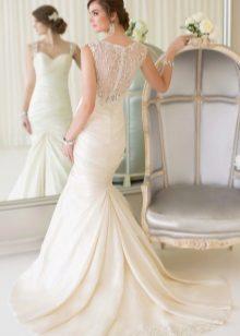 Szép hosszú esküvői ruha