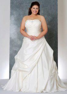 Esküvői ruha a lány buja mellek