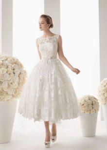 rövid csipke esküvői ruha